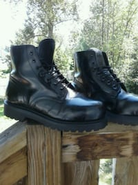 pair of black leather boots Burnaby, V5J 3G6