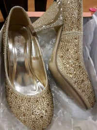 pair of gold-colored glittered peep-toe pumps Ajax, L1T 3H9