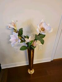 Beautiful artificial flowers with vase Toronto, M4A 0A3
