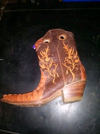 Mexican style crockadile skin boots Womens bootssize 5