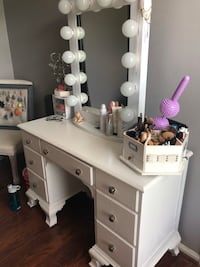 Full vanity for sale  Houston, 77073