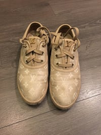 Authentic Louis Vuitton canvass sneakers Burnaby, V5C 4A8