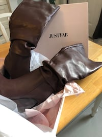 Brand new brown heeled boots Hamilton, L8K 4E2