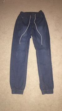 Mens Jogger Jeans Size Medium  Pasadena, 21122