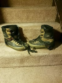 gray-and-black Airwalk leather snowboard boots Crownsville, 21032