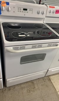 Stove Ge glass top in good condition