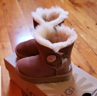 Ugg Bailey Button II Chestnut Girls Boots Brooklyn, 11233