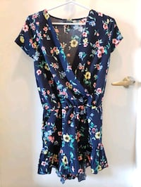 Summer / Spring Navy Romper Size Small