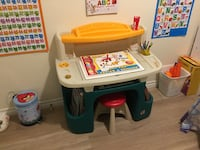 Step 2 kids desk/ art table 550 km