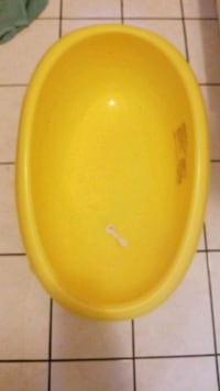 round yellow plastic food container Vaughan, L6A 3A6