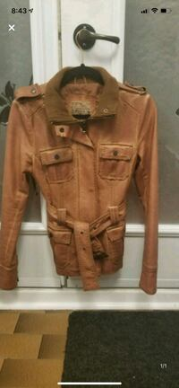 Leather jacket size small Longueuil