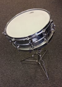 Remo weather king ambassador batter snare drum that's in great condition. Wethersfield, 06109