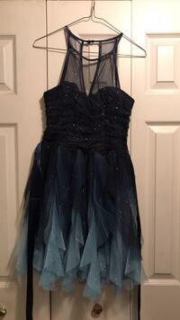 Junior homecoming dress only worn once  Boonsboro, 21713