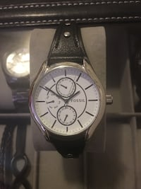 Round silver chronograph watch with black leather strap Los Angeles, 90042