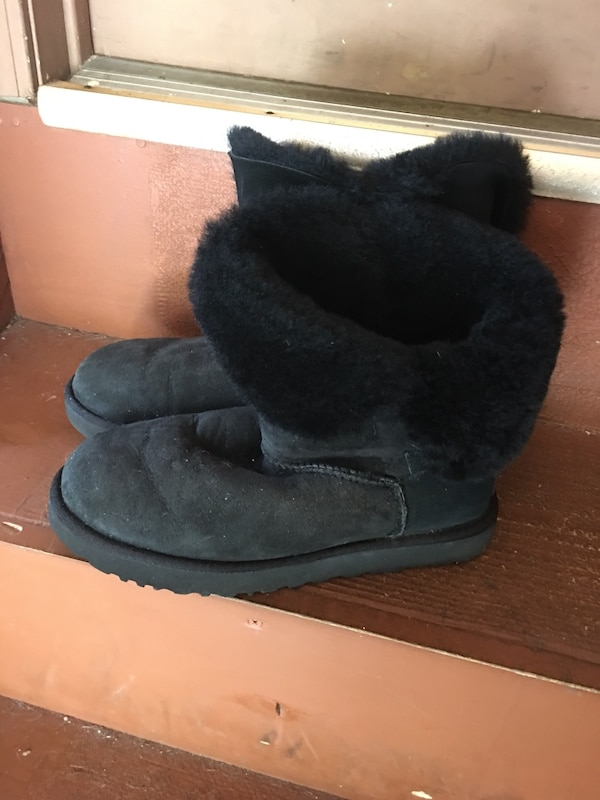 acabc3e878f Used Pair of black Ugg boots used size 10 firm at $50 for sale in Jackson