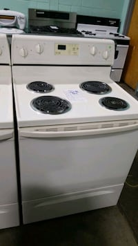 "Whirlpool Electric Stove 30"" Hauppauge"
