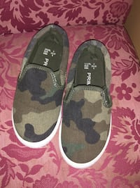Toddlers shoes size 9 Freehold, 07728