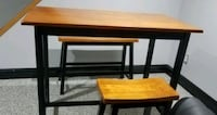 Pub table and 2 stools excellent condition  Brookfield Center, 44403