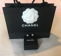 Classic mini Chanel crystal silver cc earrings  Oakville, T1Y