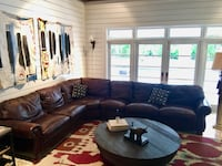 Beautiful sectional leather coach South Miami, 33143