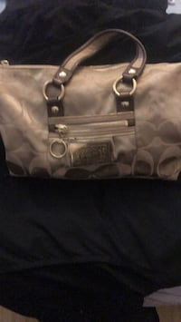 gray and white Coach tote bag Los Angeles, 91342