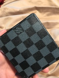 black and gray Louis Vuitton leather wallet 381 mi