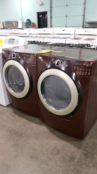 Whirlpool electric set dryer/washer 27inches  Riverhead, 11901