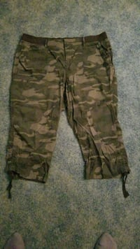 brown and black camouflage cargo pants Delaware, 43015