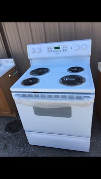 white and black electric coil range oven Shelbyville, 40065