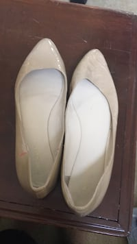 pair of white leather flats Alexandria, 22307
