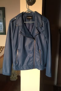 Ladies faux leather blue waist lined jacket never worn Toronto, M2R 3N5