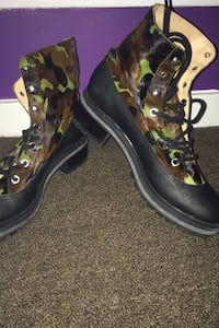 Furry Camo Millitary Boots Size 10B