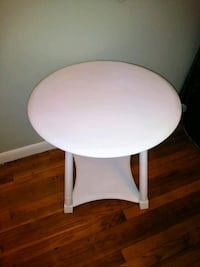 Round white wooden side table Springfield, 01129