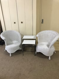 4pc unique wicker set 2 round chairs 2 nesting tables still available