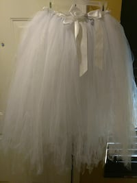 white bow-accent tutu skirt Peoria, 85382