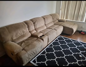 BEIGE SECTIONAL RECLINER COUCH  - GOOD COND- FREE DELIVERY!????????