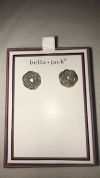 Gold Earrings Centreville