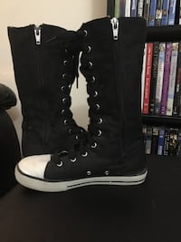 Lace up converse style sneakers size 2 Brampton, L6V