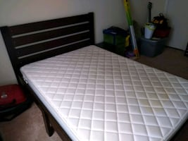 Full size bed with or without mattresd