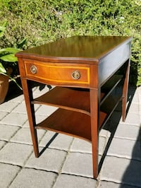 Beautiful inlayed mahogany end / night table Toronto, M9C 2G9