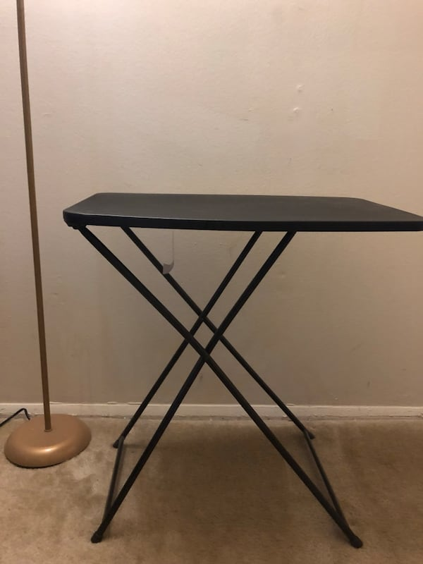 Collapsible table 428923ce-8012-415c-a058-76a03d15227a