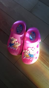 Pair of children's pink peppa pig rubber clogs 1960 km