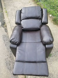 A java leather recliner  Baltimore, 21215
