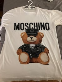 Oversized MOSCHINO 100% Authentic  Markham, L3T 3R7