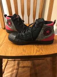 CONVERSE high tops size 9 Langley, V1M 1B8