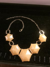 gold-colored necklace and earrings Hamilton, L8L 6M9