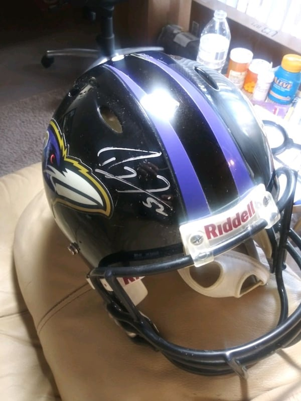 Ray Lewis Signed. Ravens Ridell hekmet. 4