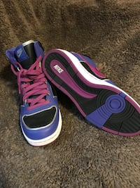 purple-and-black Nike low top sneakers Langley, V3A 2B5