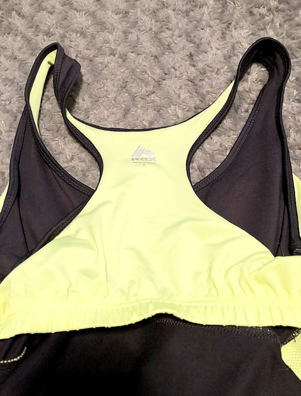 Women's RBX tank paid $28 size Large like new with built-in bra 3