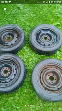 4Rimes with Winter  Tires size 16.. Laval